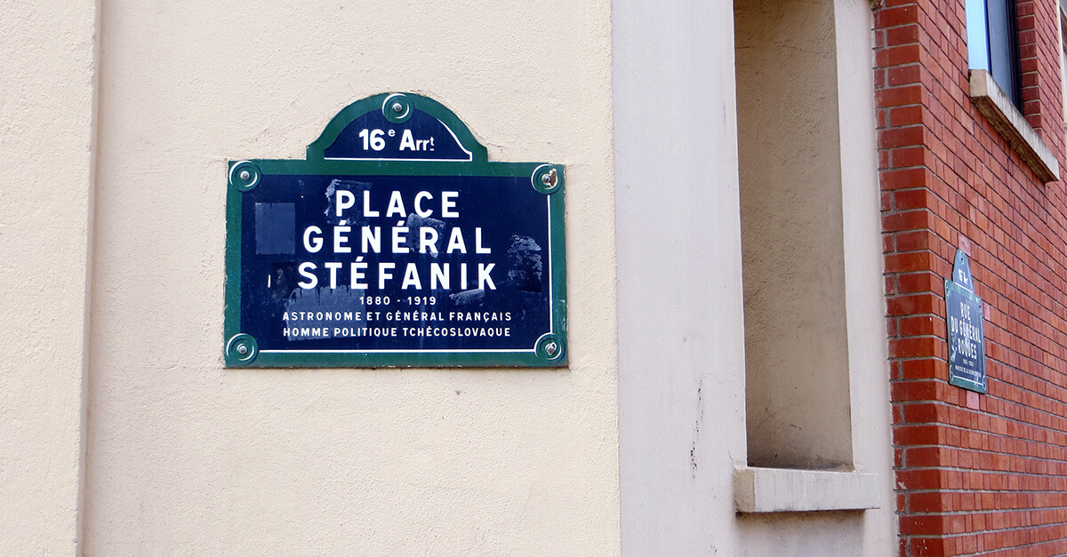 Stefanik in Paris
